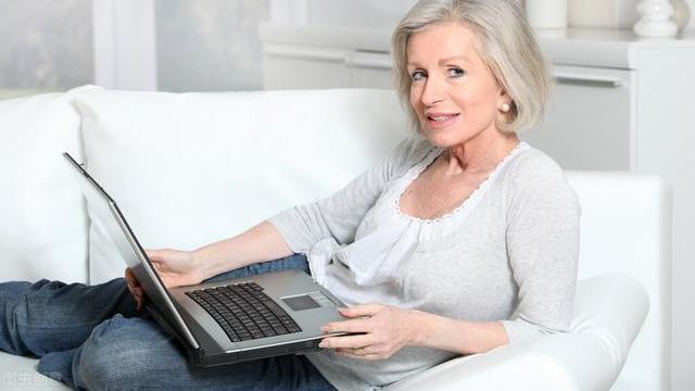女人到了55岁,宁愿独居还是再婚?这3个55岁女人说出心里话