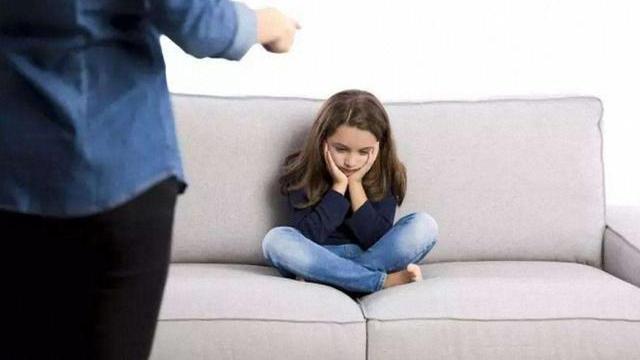 自己的付出孩子不会感恩,父母要坚持几个原则,让孩子知道感恩