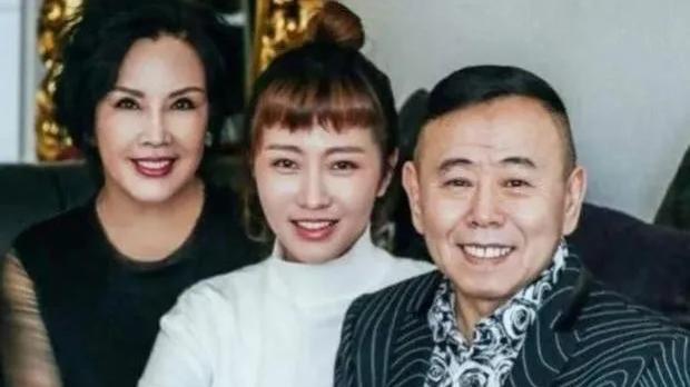 曾與妻子住8年廁所,如今被罵滾出春晚,潘長江到底怎麼了?