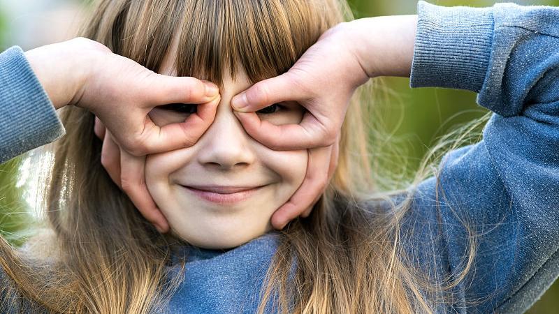 【育兒秘籍】幼兒「眼震震」?眼球震顫要及早發現和治療