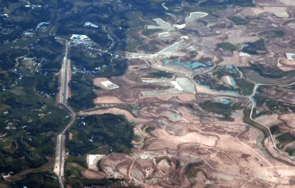 成都简阳机场规划�_空中航拍成都新机场进展图,面积堪比一个城市的大小!_雄州简阳