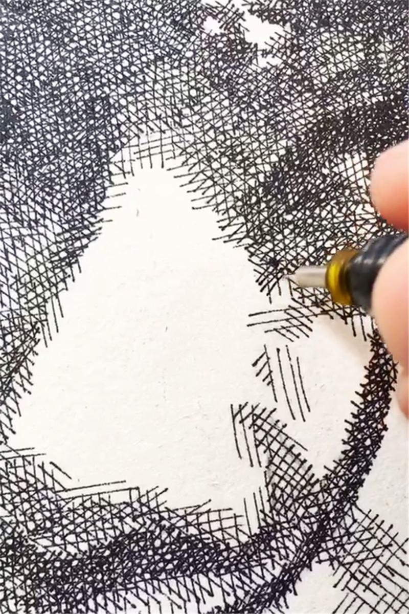 美術大佬用針管筆畫畫, 鏡頭拉遠看到成畫, 網友: 夢中情人