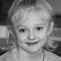 发条小女孩