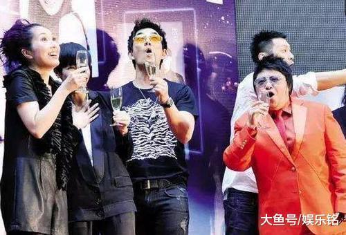 娛樂圈最能喝酒女明星榜單:趙薇、韓紅勉強上榜,第一簡直酒神!