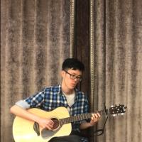 会弹吉他的超哥