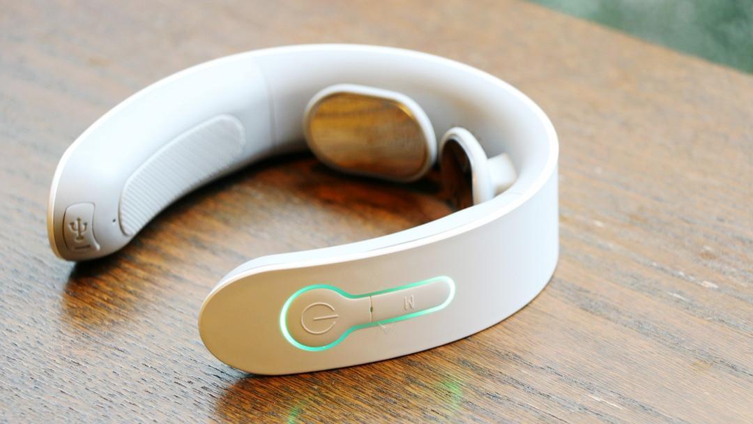 艾力斯特颈椎按摩器评测:办公室一族都需要的小家电