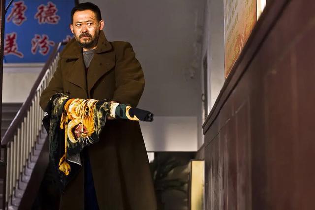 《天注定》:枪杀村长,见社会阴暗角落