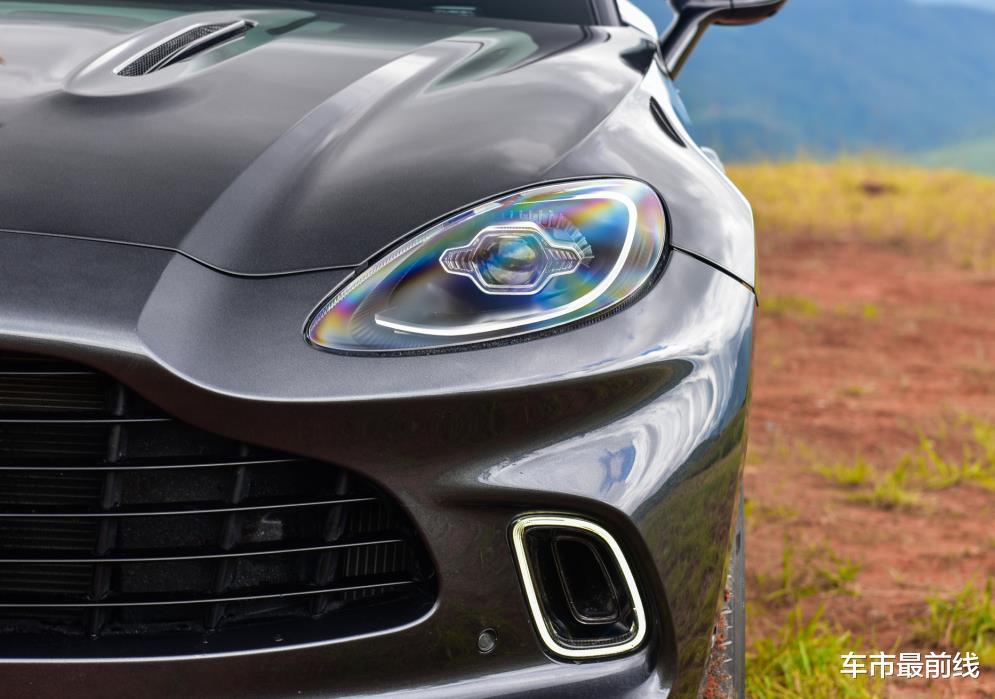 又一豪華品牌涉獵SUV領域,性能比大牛還厲害,砸鍋賣鐵也要買臺-圖6