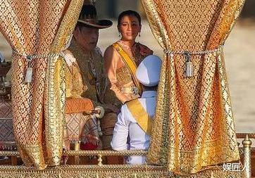 泰王帶21名嬪妃回國瞭!王後和貴妃正面交鋒,後宮大戰一觸即發-圖6