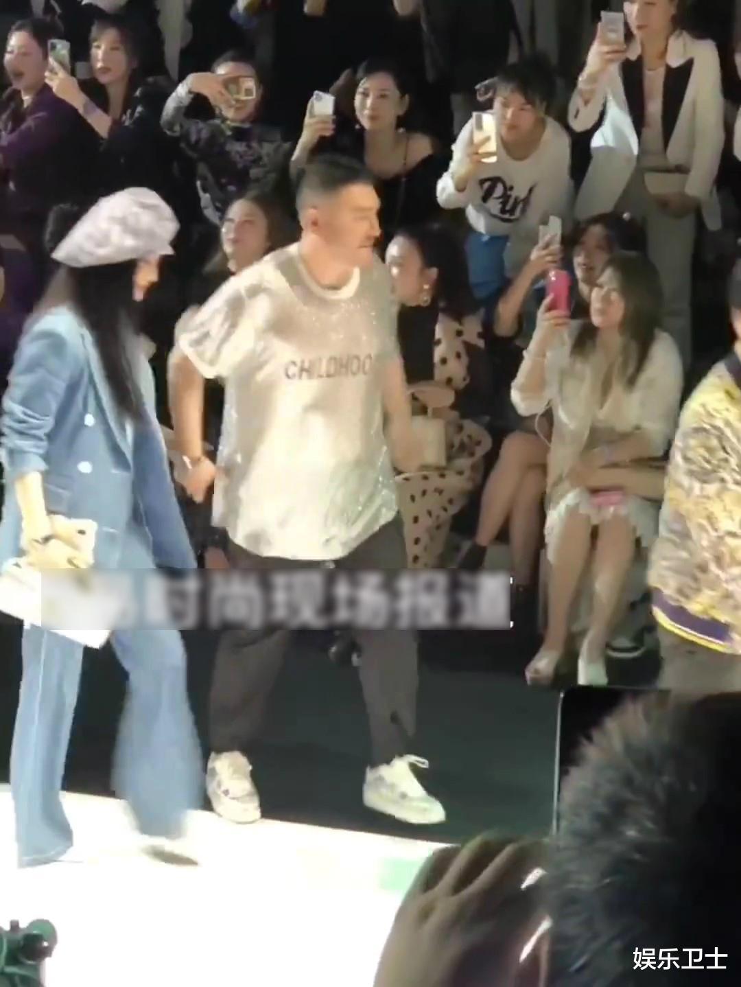 范冰冰參加上海時裝周,被特殊照顧顯大花身份,與馬蘇同框全程避嫌無交流-圖9