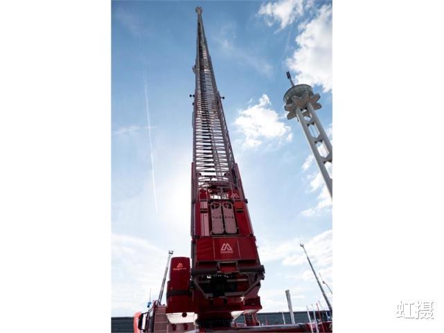 韓國33層高樓起火,瞬間變火炬!雲梯消防車趕來,比導彈車還大-圖5
