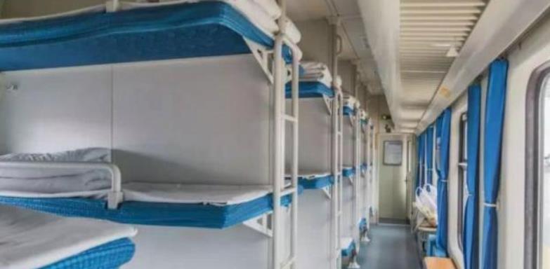 """赛尔号特尼_中国受农民工欢迎的火车,全程直达,提供一站式的""""宾馆""""服务-第2张图片-游戏摸鱼怪"""