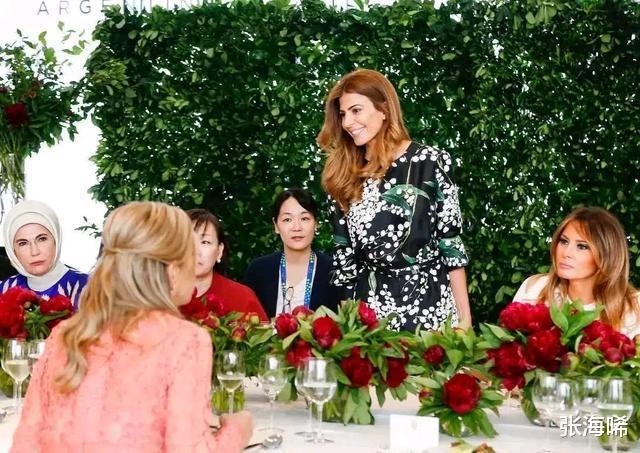 阿根廷第一夫人35歲三婚帶娃嫁給總統,特朗普也驚嘆於才華-圖2