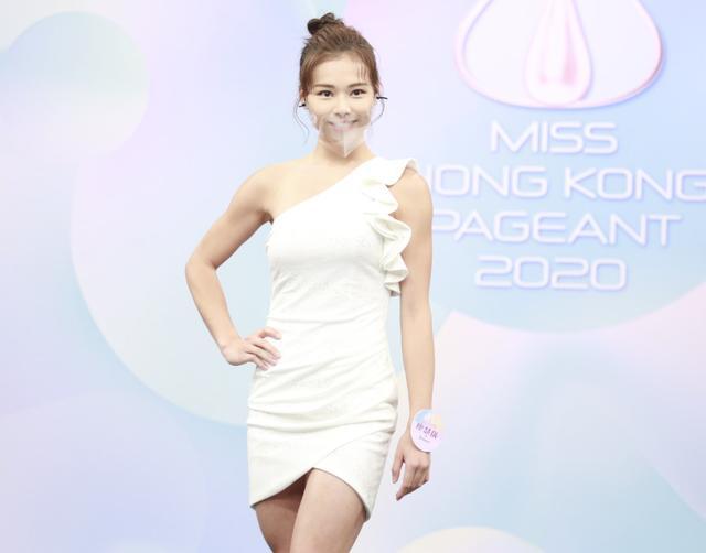 2020香港小姐15強結果出爐,眾佳麗戴透明口罩現身發佈會爭奇鬥艷-圖4
