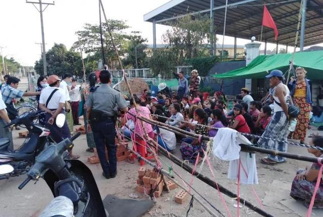 疫情下工廠關閉,緬甸政府向工人承諾的補貼來瞭-圖3