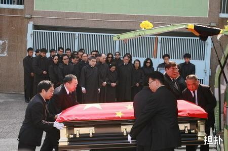 霍英東跟何鴻燊誰成就高?看看他葬禮上,北京的唁文是如何評價?-圖6