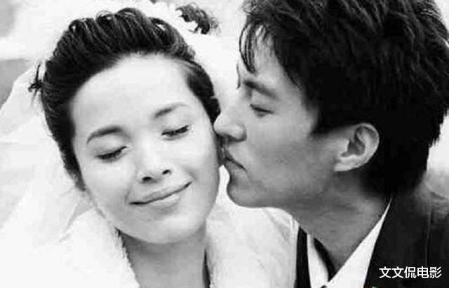 因拍吻戲與富豪丈夫婚姻破裂,嫁靳東被寵愛,兒子被稱最帥星二代-圖3