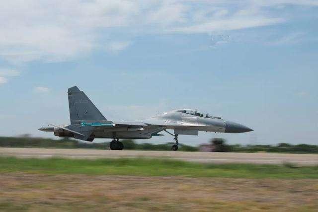 大批轟6K飛抵喀什機場,印指揮官態度不再囂張,俄:莫迪騎虎難下-圖4