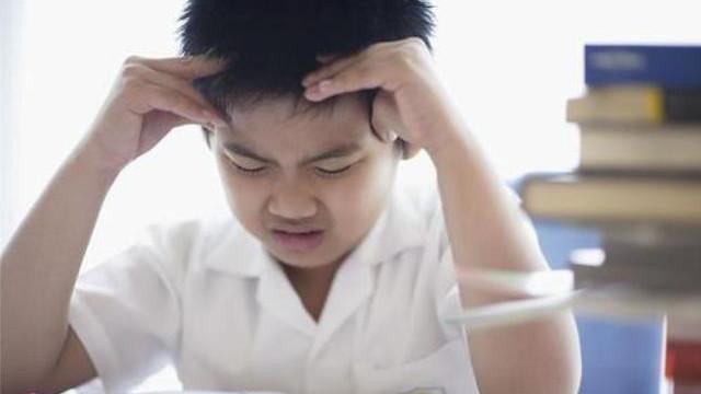 """小学生""""零分作文""""火了,为凑字数也是拼了,老师看过哭笑不得"""