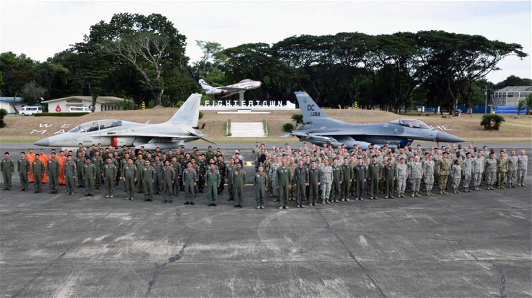 """不會撤出海域!菲律賓正式表態:將繼續派遣軍機""""巡邏""""-圖2"""