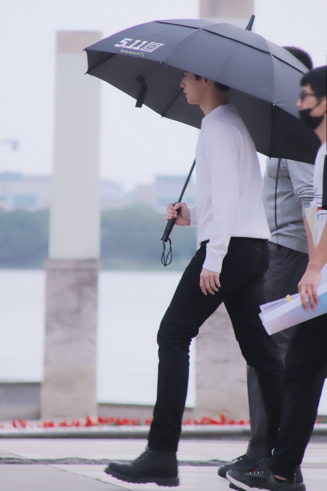 TFBOYS、肖戰、王一博、楊洋等男神都用過!雨傘界的頂流傘來啦-圖3