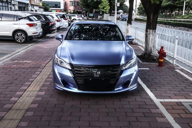 豐田皇冠改色青霧藍,小隱於市自欣賞-圖6