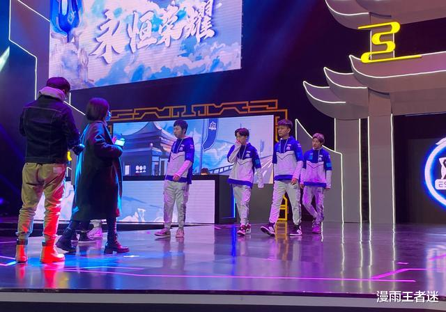 estar武漢主場首秀結束後,貓神、Alan均返回上海,徹底談崩瞭?-圖3
