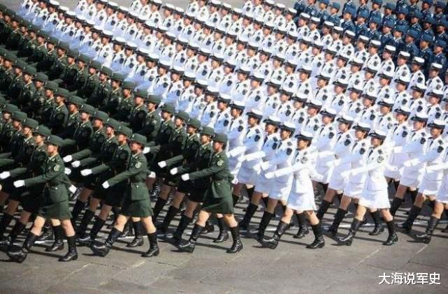 """印度閱兵儀式上,連奧巴馬都沒忍住""""笑場"""",網友:想不笑太難瞭-圖2"""