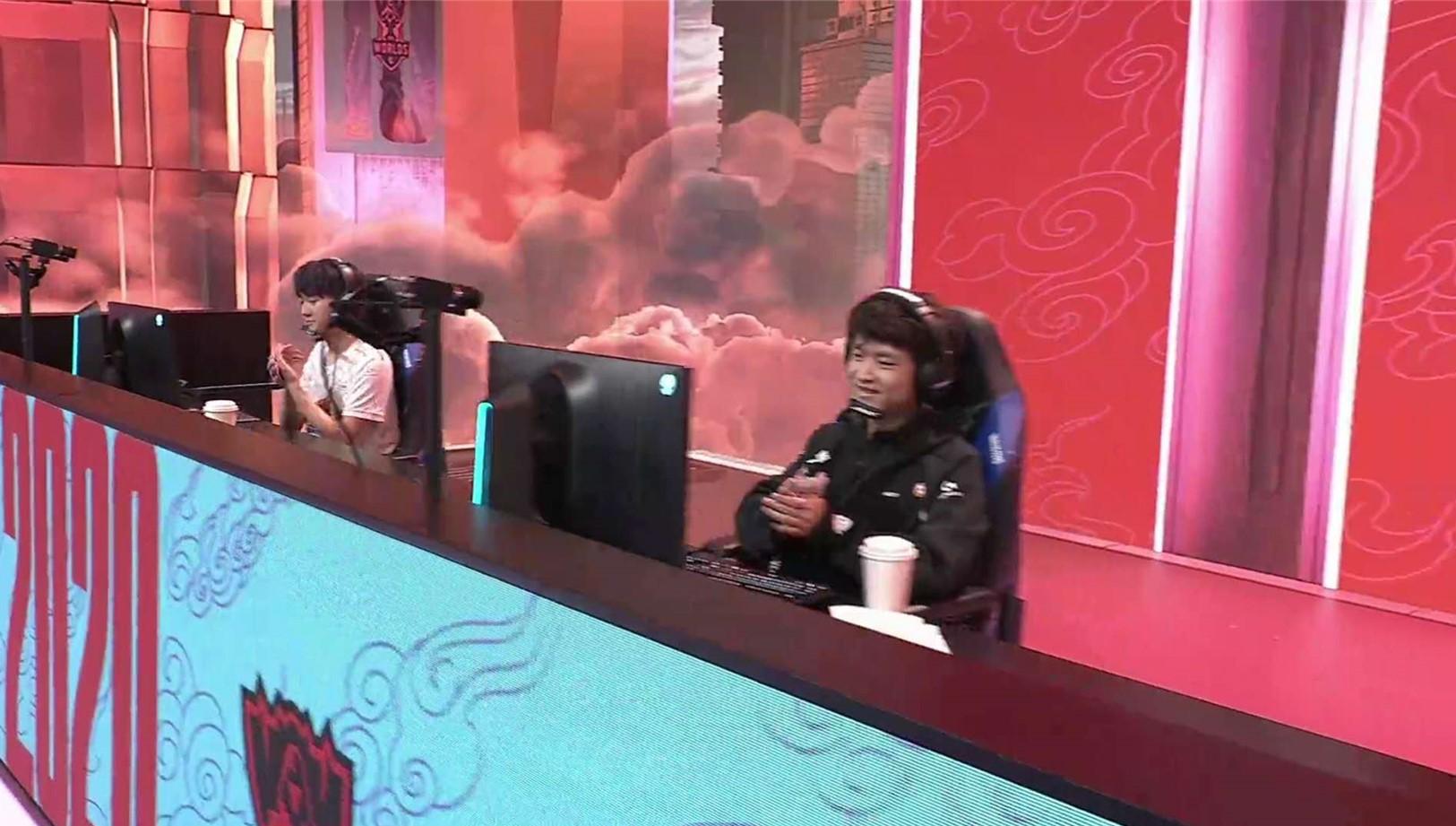 SofM擊敗TL秀中越雙語,煥烽亮出IG隊標,蘇小洛迎S10第一次爆破-圖2