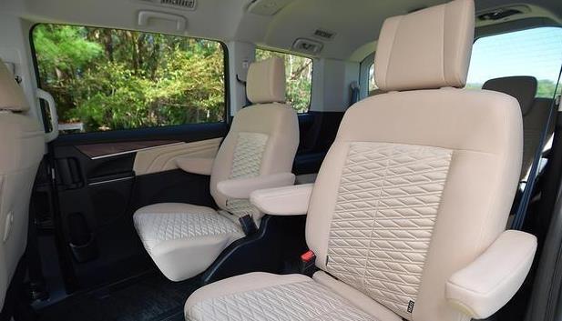 第一臺日系四驅面包車!座椅完全放平就是床,采用側滑門,能越野-圖2
