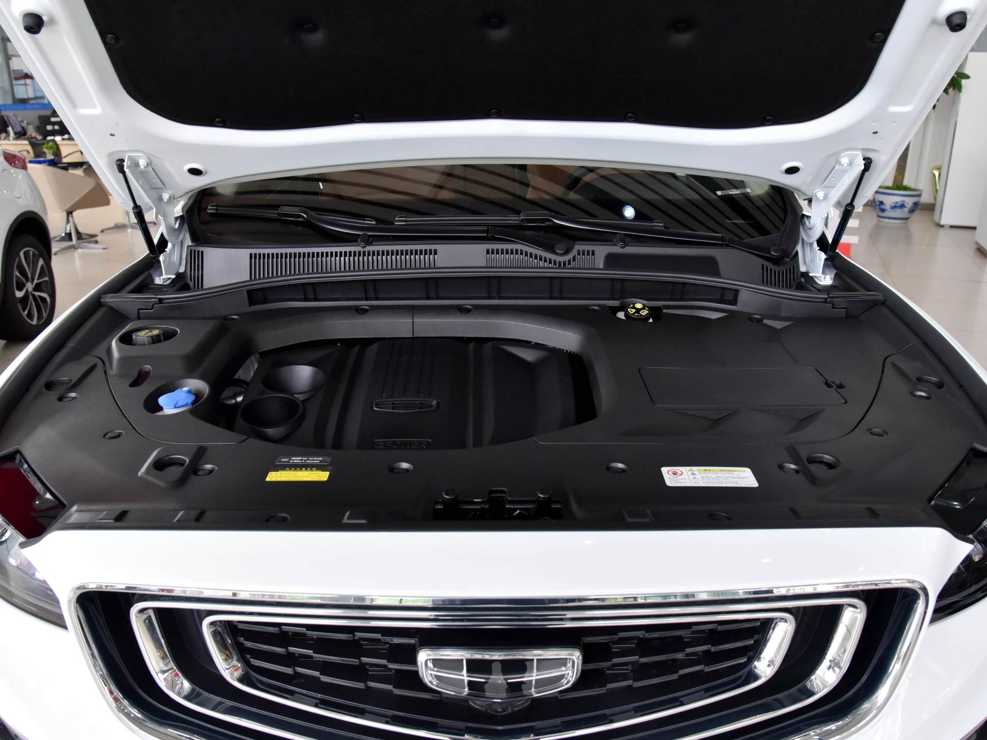 僅12萬的國產優質SUV,1.8T爆184馬力,空間不輸H6與CRV-圖5