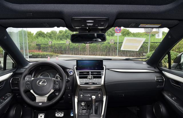 國內在售的豪華品牌中型SUV內飾集合,哪個才是你喜歡的?-圖10
