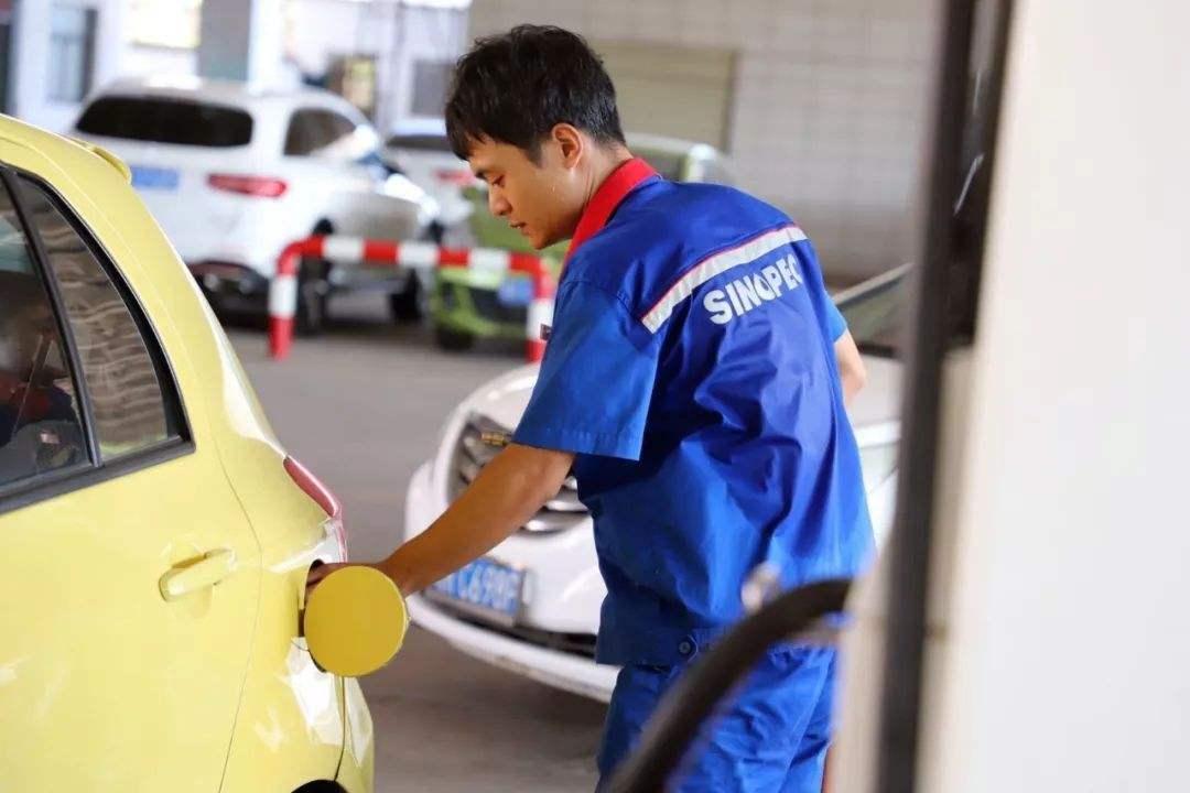 加200元的油和加滿油,到底哪個更傷車?老司機:不懂就別亂來-圖2