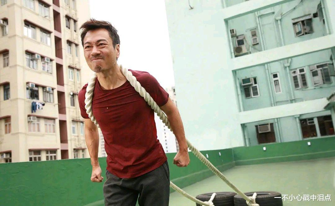 為拍《殺手》練出6塊腹肌?難怪56歲的他能斬獲三屆TVB視帝-圖7