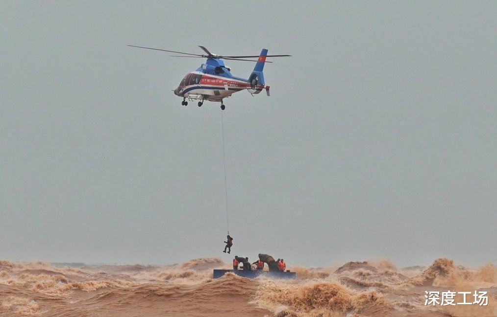 越南填海造島挖泥船沉沒,船員集體沉海:越南空投特種兵拼命救援-圖2