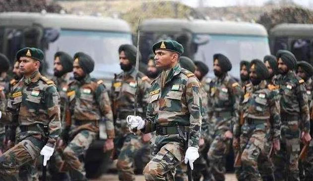 印度邊境有大動作,高速公路軍車不斷運兵,班公湖周圍平民大撤離-圖3