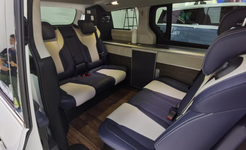 上汽大通推出全新旅居車RG20,一款兼具MPV與房車功能的全能王-圖6