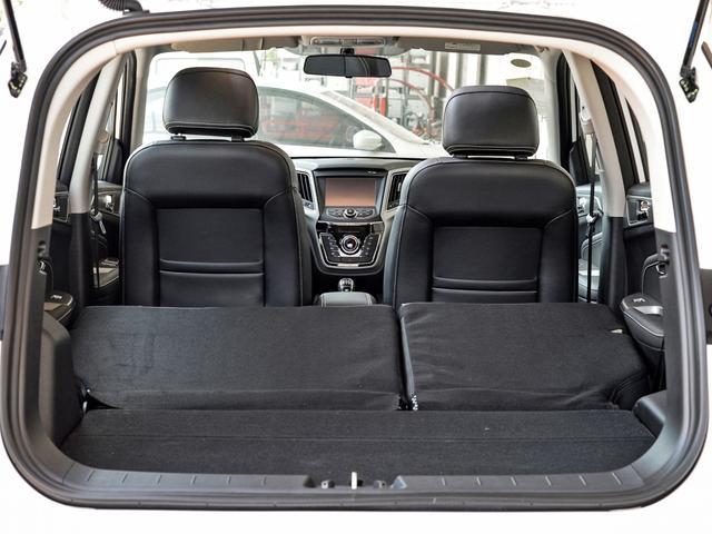 長安發力小型SUV市場,CVT自動不到6萬,滿油跑800Km-圖8