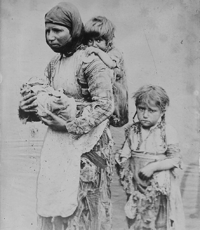 150萬亞美尼亞人被屠殺!無數少女遭到侵犯,用活人進行醫學試驗-圖2