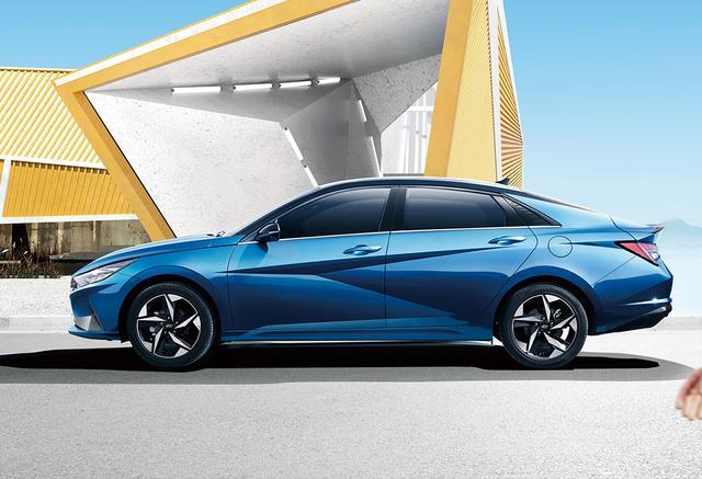 重點推薦1.5L入門版和1.4T旗艦車型,全新伊蘭特購車導讀-圖8