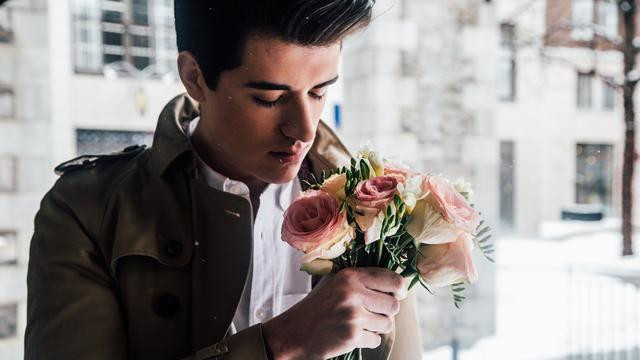 每一个人都渴望得到爱情,十二星座的男人,12种表达爱意的方式