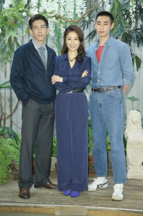 林心如新戲發佈會,與楊謹華攜五男神驚艷亮相,霍建華客串未露面-圖3