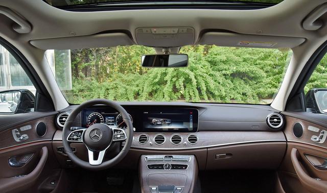 奔馳E300時尚型,合計購車費用為45萬左右,前置後驅的的驅動方式-圖2
