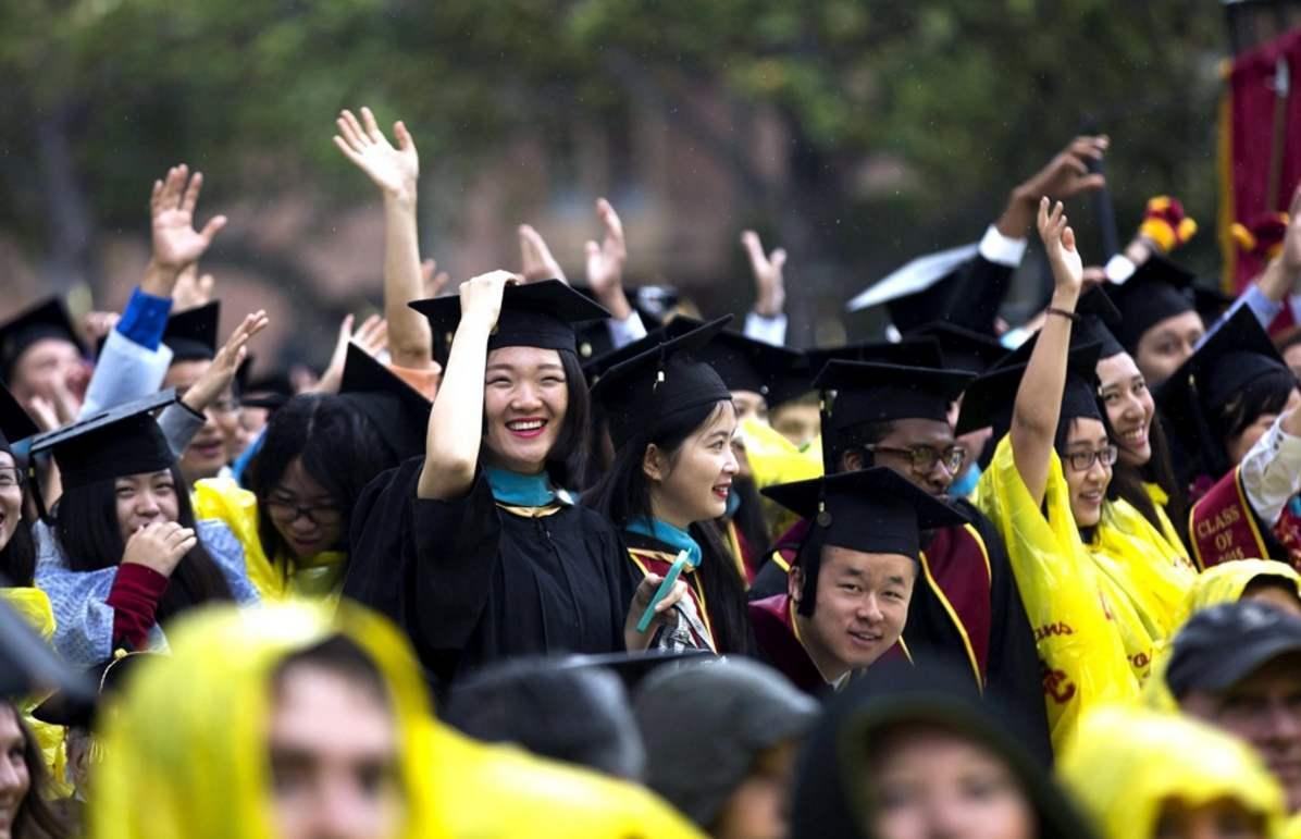必將被釘上恥辱柱!中國留學生:美國的空氣真香甜,回來得戴50層口罩-圖2
