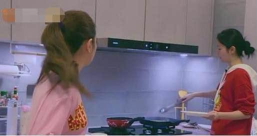 臺媒曝出Selina婚後生活孤獨,與妹妹居住千萬豪宅,客廳空蕩蕩-圖8