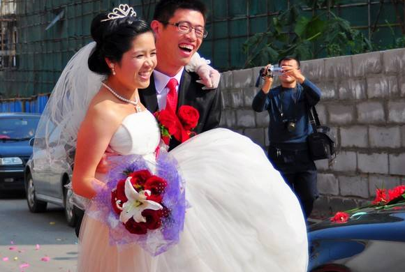 """""""兒媳,你是二婚沒必要辦婚禮瞭""""""""我之前可包出瞭8萬的紅包""""-圖2"""