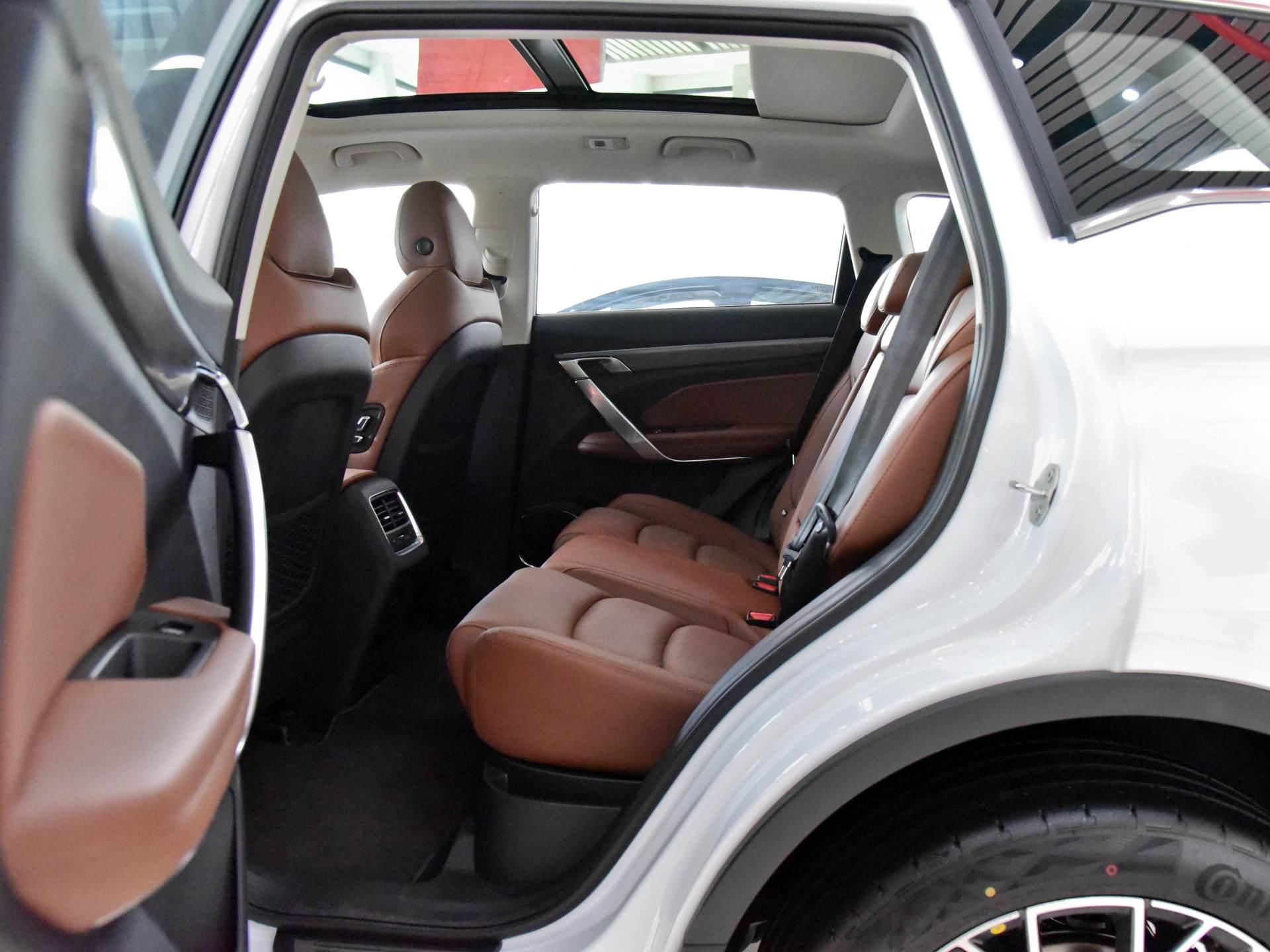 僅12萬的國產優質SUV,1.8T爆184馬力,空間不輸H6與CRV-圖4