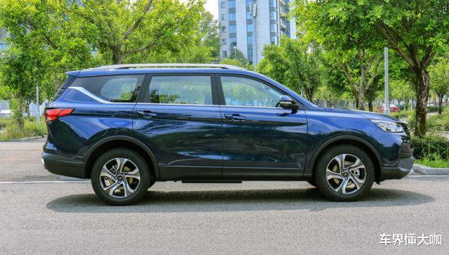 8.59萬起!長安新款SUV上市,5/6/7座隨便選,比漢蘭達還舒服-圖4