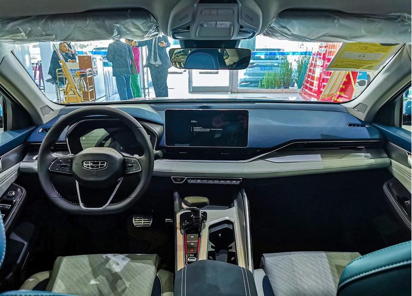 吉利星瑞,2.0T發動機,B級車的尺寸,13.77萬,比速騰值得買?-圖6