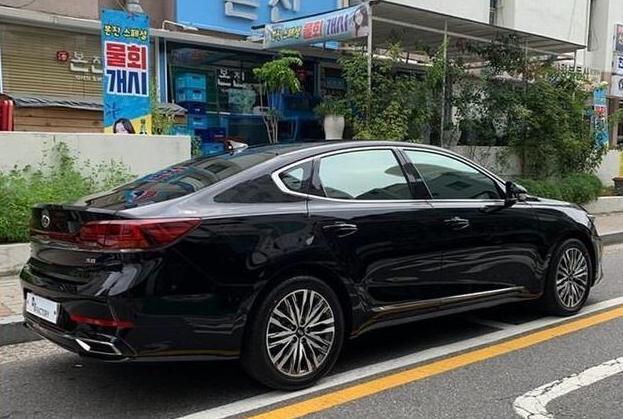 """韓版""""瑪莎拉蒂""""!全新起亞K7實拍,起步V6,氣場不輸A6L-圖4"""